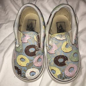 Vans Play Condition Size 5.5 donut slip ons